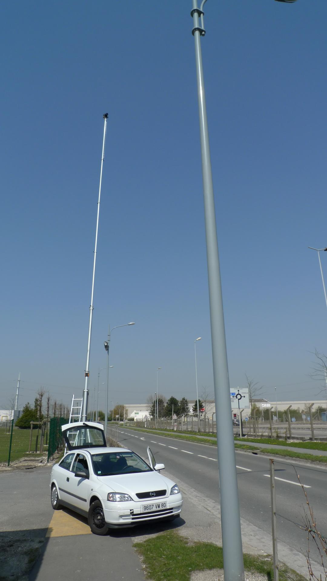 Le mât télescopique de 21 mètres de hauteur avec platine Vidéo