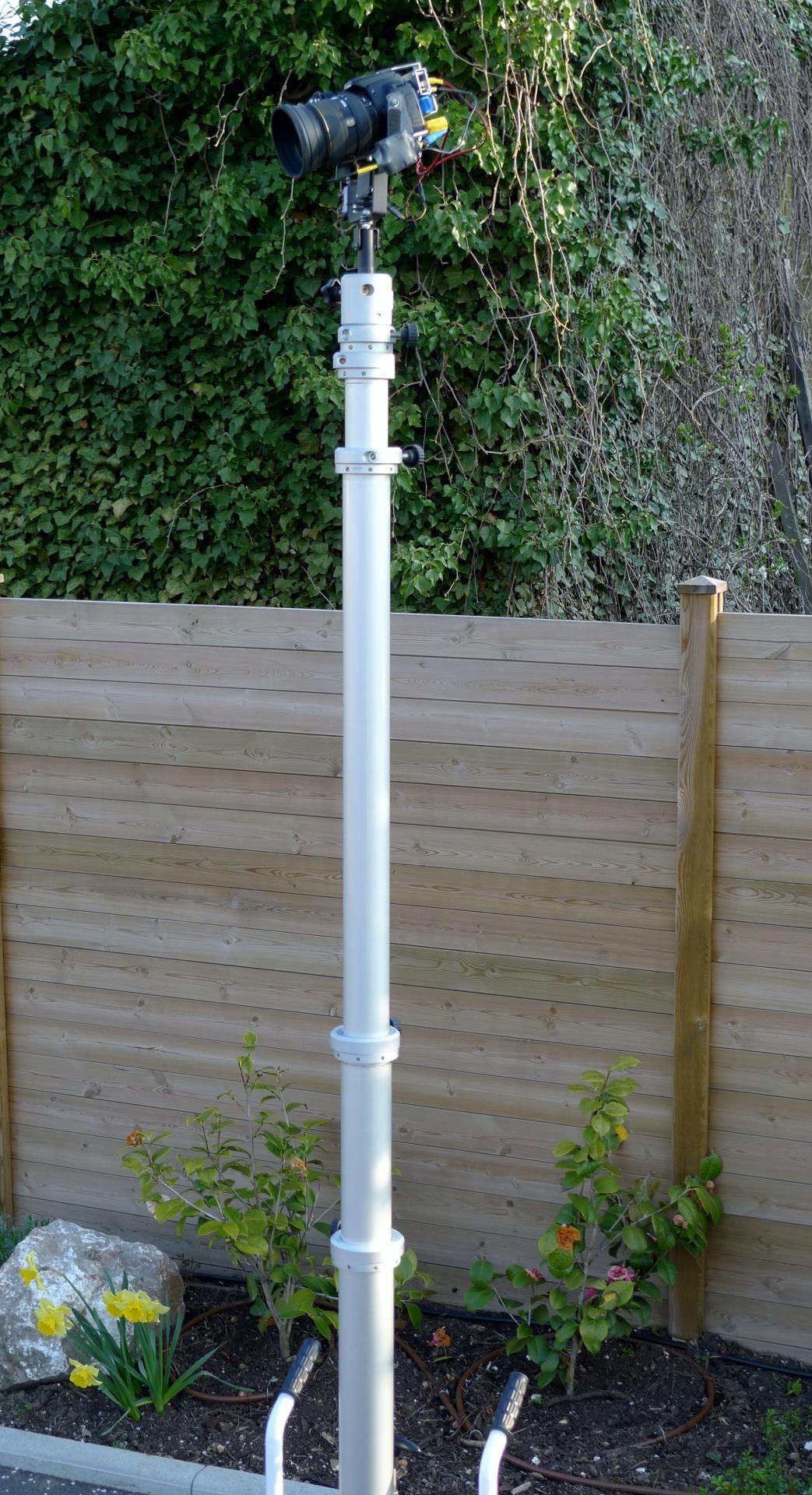 Le mât télescopique de 6 mètres de hauteur avec platine photographique